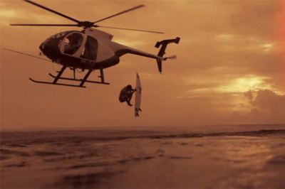 helicopter_launching_a_surfer_sunset_sunrise_ocean_surf