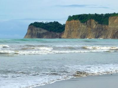 canoa-ecuador-beach