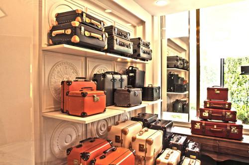 Globe-Trotter-store-in-New-delhi
