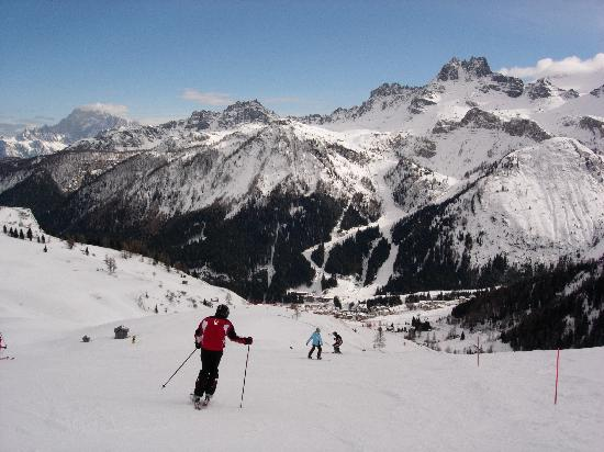 skiing-into-arabba