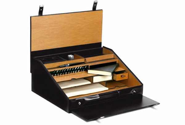 pineider-leather-travel-case-exudes-legance