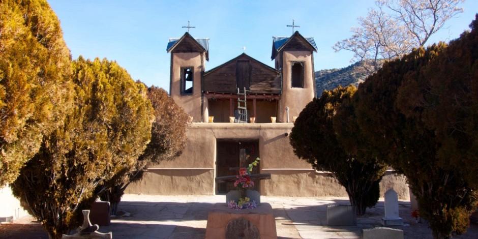 El-Santuario-de-Chimayo-1200x600