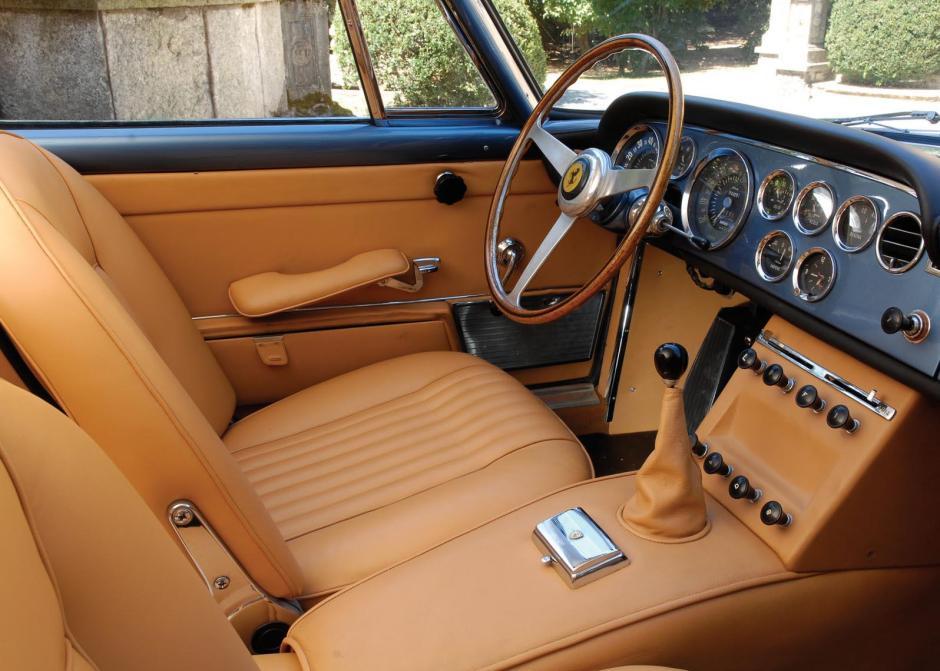 Ferrari-330_America_1963_i01
