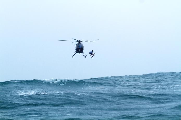 c-Hank-Foto_HF_170421_surf_acid-drop_hawaii_129-surf-simply-magazine-heavy-water-fullwidth